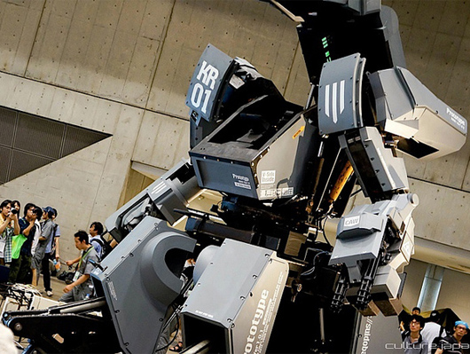 人が乗って操縦できる巨大ロボット「クラタス」